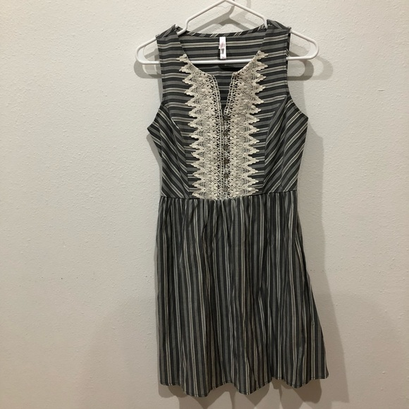 Xhilaration Dresses & Skirts - Vintage grey and white striped dress